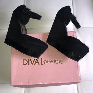 Diva Lounge Round Toe Women's Platform Wedges